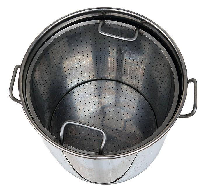 panier-inox-perforé-dans-cuve-inox-chauffage-gaz